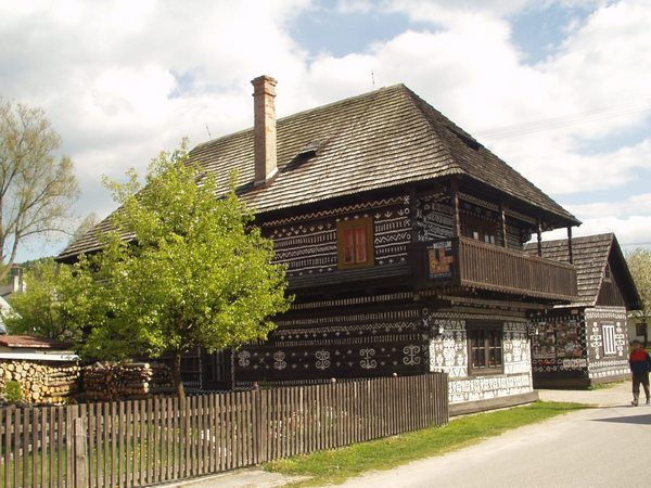 one wooden building in Čičmany